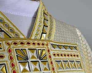 Bogato zdobione ornaty haftowane
